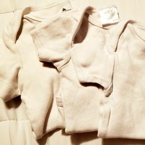 Baby onesie lot 🔴